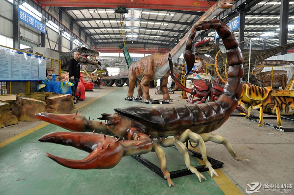 仿真巨型昆虫生产工厂